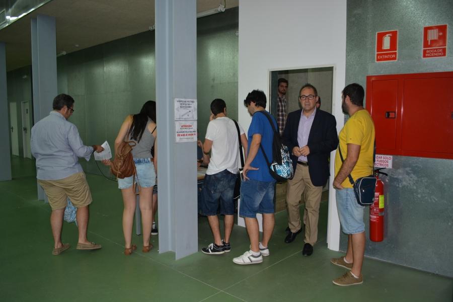 Universitarios Y Preuniversitarios Conocen La UPCT
