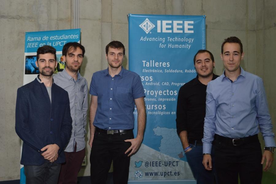 Premian A Estudiantes De La UPCT Por Idear Un Robot Oruga Y Una Sala Multisensorial Inteligente