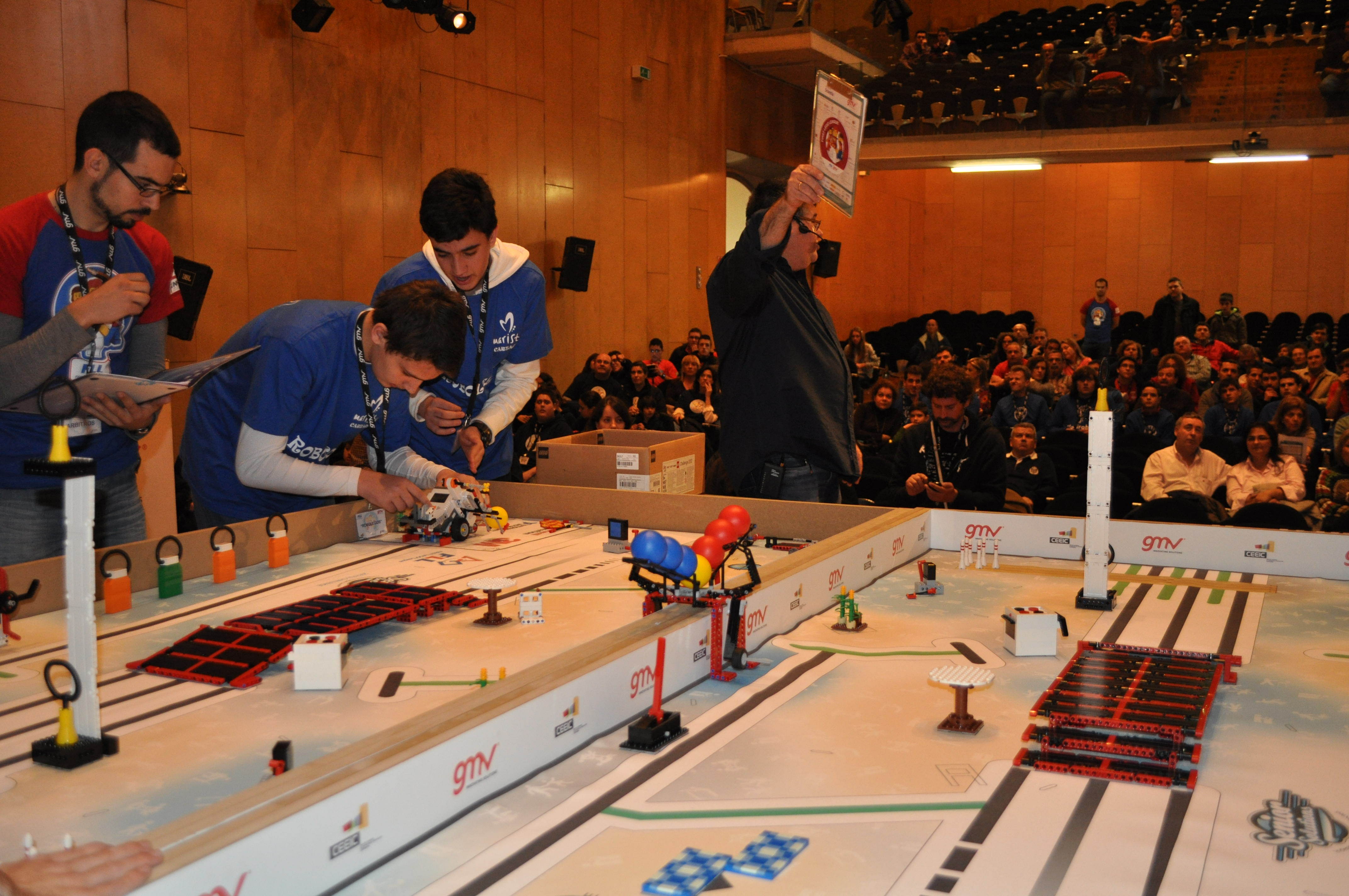 Actividad De Voluntariado: First LEGO League 2019